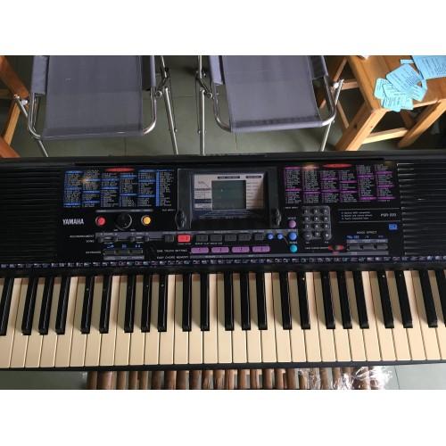 Organ Yamaha PSR-220