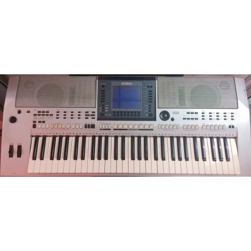 Organ Yamaha PSR-S700