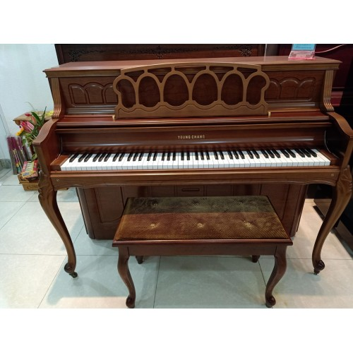 Piano Cơ Young Chang YC110