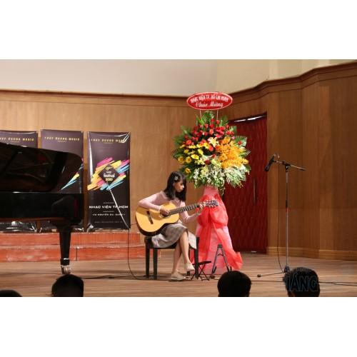 Triệu Đóa Hoa Hồng    Phùng Trâm Anh    Dạy đàn Guitar Quận 12    Lớp nhạc Giáng Sol