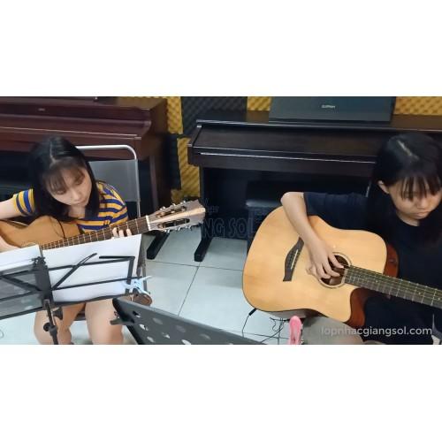 Happy New Year Guitar, Thảo Anh, Trâm Anh || Dạy đàn Guitar Quận 12, Lớp nhạc Giáng Sol