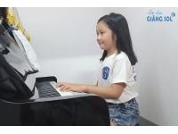 Tư thế tay chuẩn khi học đàn Piano