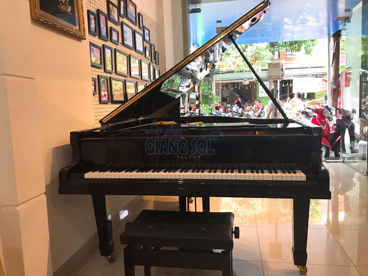 Bán Đàn Piano Grand Victor VG500 || Shop Nhạc Cụ Giáng Sol quận 12, Bán đàn piano cơ quận 12, bán đàn trả góp quận 12, Bán đàn guitar quận 12, cửa hàng nhạc cụ quận 12, địa chỉ bán đàn chất lượng quận 12, shop đàn quận 12, piano trả góp, bán guitar acous