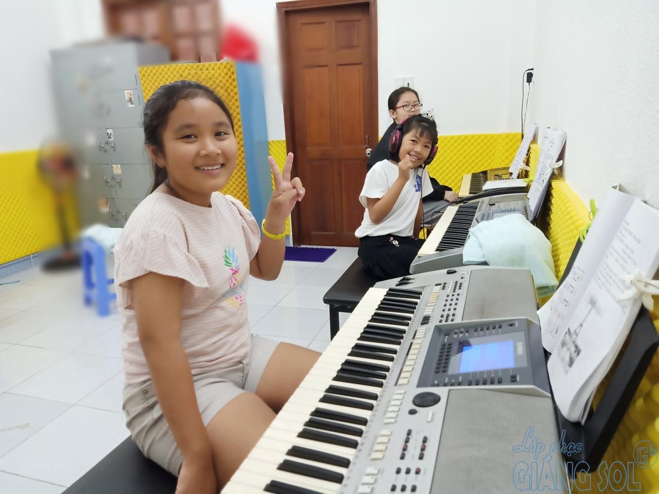 lớp dạy đàn Organ tại quận 12, trung tâm âm nhạc giáng sol